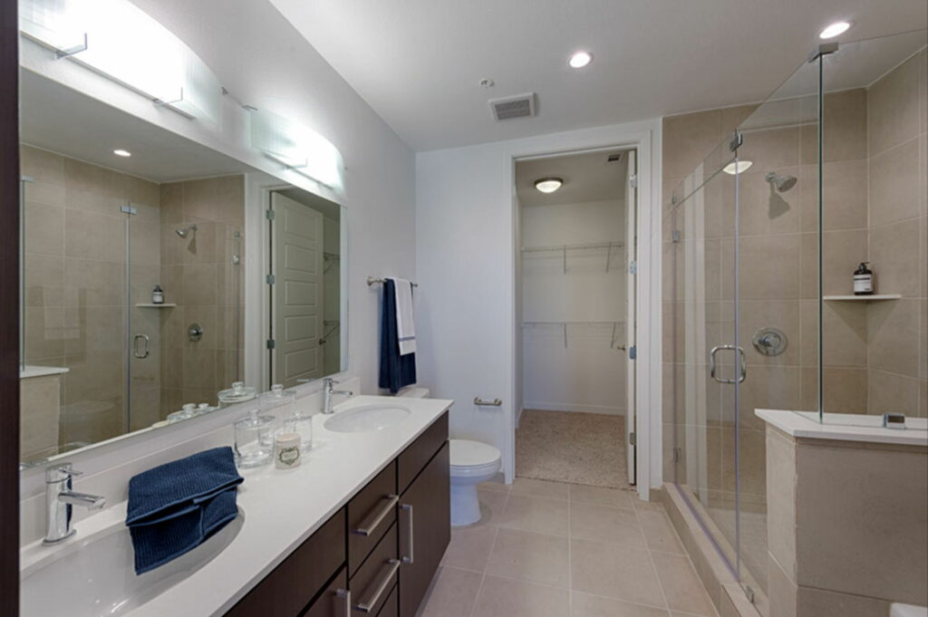 Bathroom - Vantage Med Center Apartments