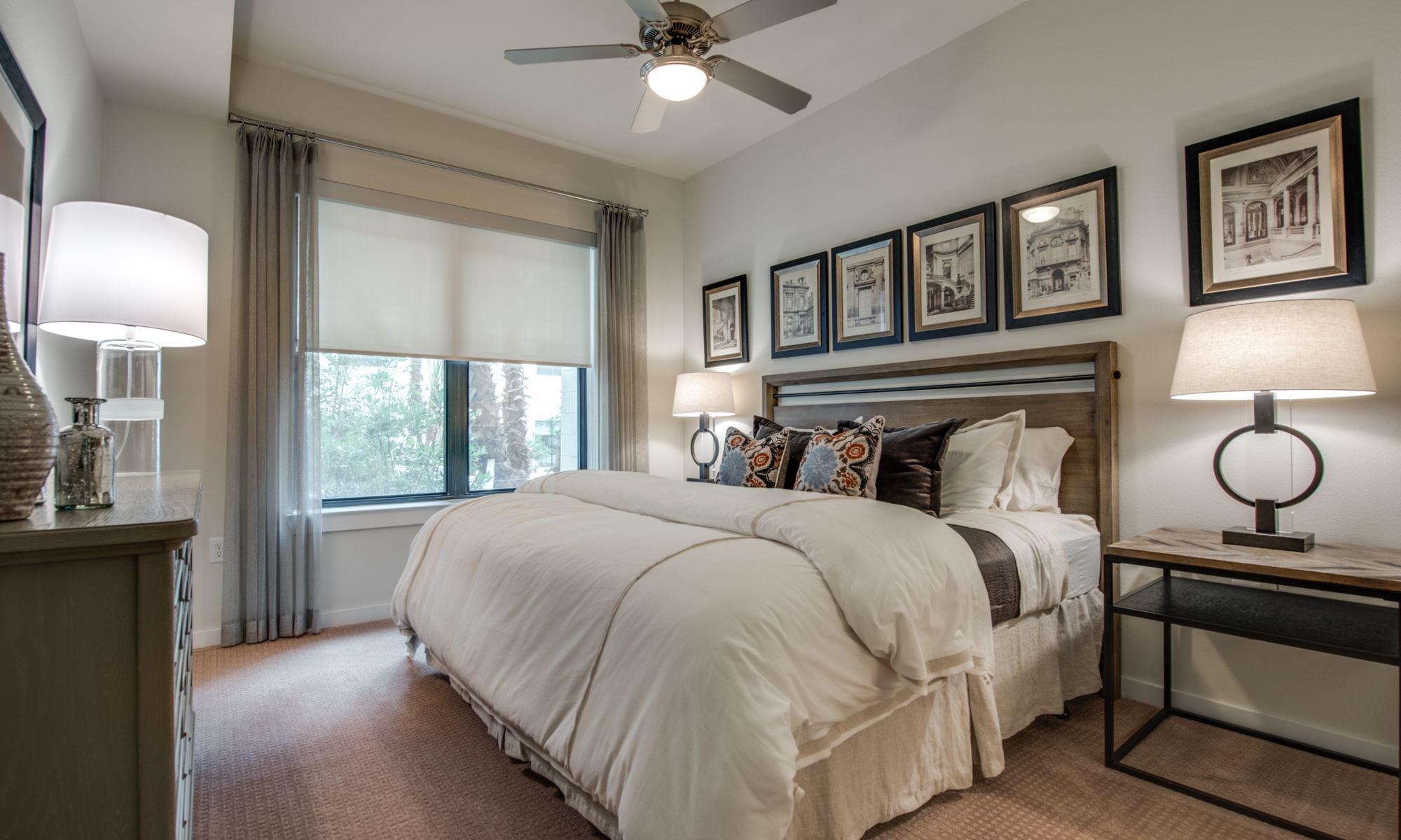 Bedroom - 500 Crawford Apartments