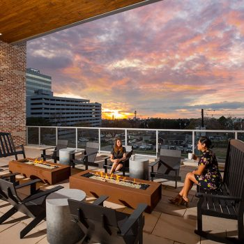 Fire Pit Lounge - St. Andrie