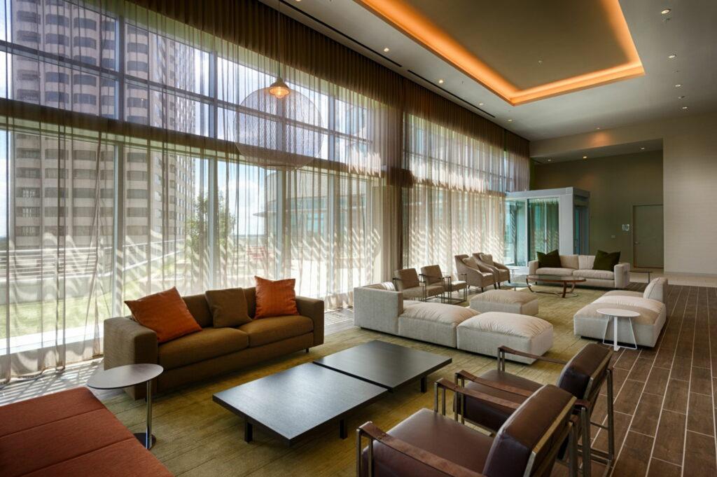 Indoor Lounge - Vantage Med Center Apartments