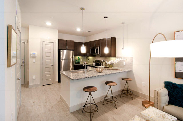 Kitchen - Everly Apartments