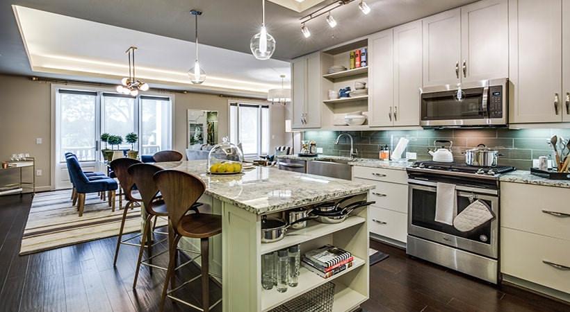 Kitchen - The Ivy Park Place Apartments