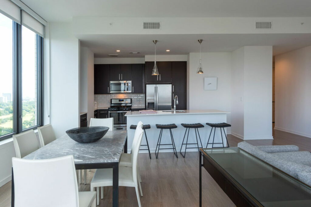 Kitchen - Vantage Med Center Apartments