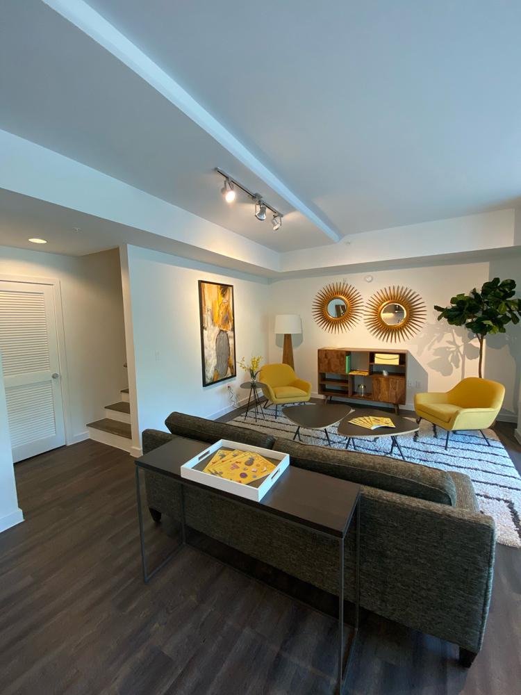 Living Room - Avenue Grove Apartments