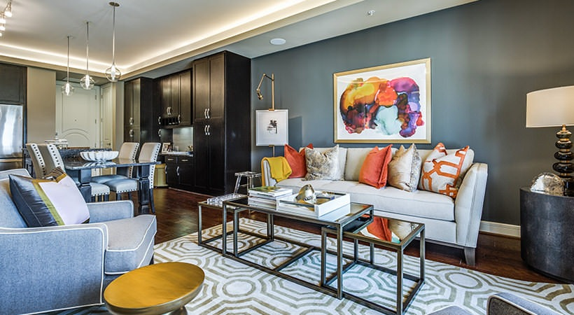 Living Room - The Ivy Park Place Apartments