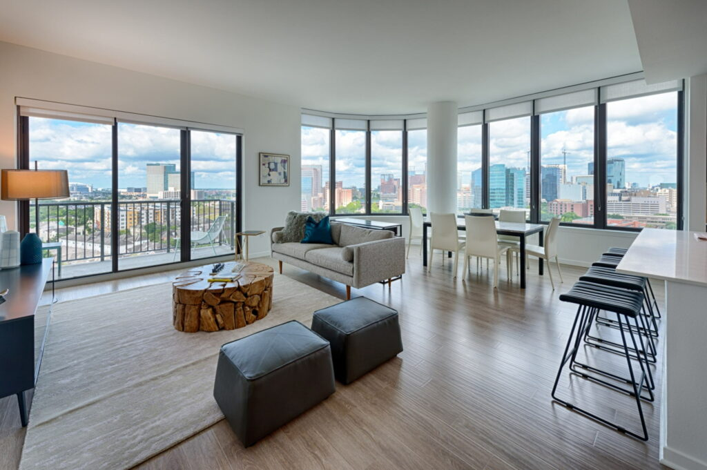 Living Room - Vantage Med Center Apartments