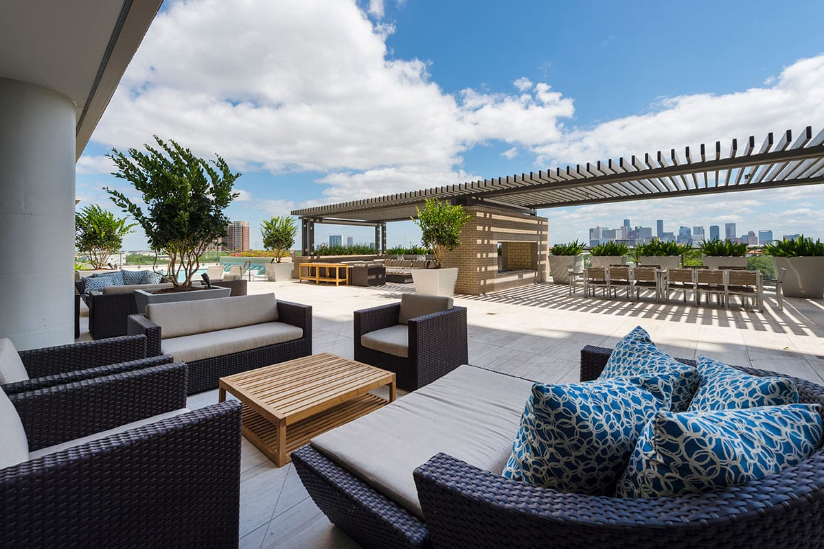 Outdoor Lounge - The Southmore