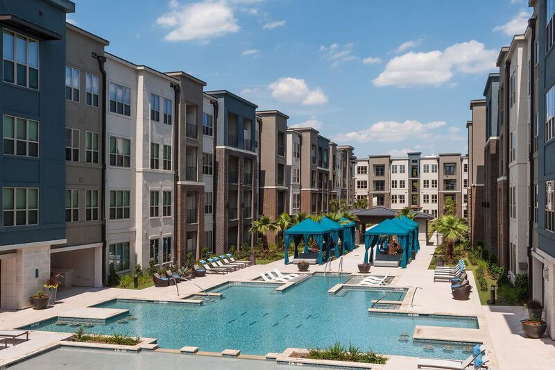 Pool - Everly Apartments