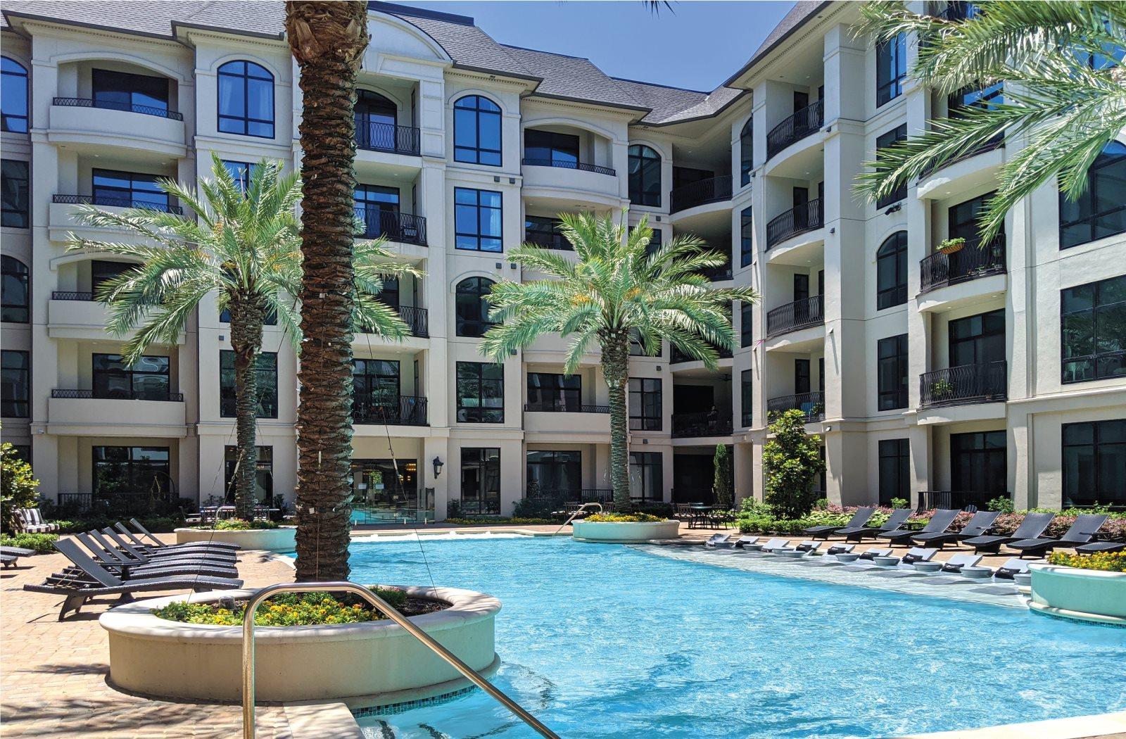 Pool - Le Palais Apartments