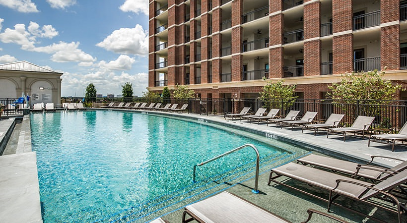 Pool - The Ivy Park Place Apartments
