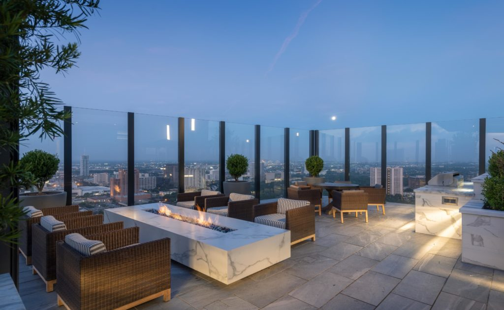Rooftop Lounge - Hanover BLVD Place